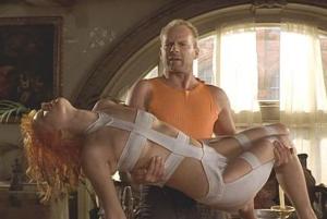 """Milla Jovovic e Bruce WIllis in """"Il quinto elemento"""""""