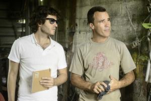 Il regista Bent Perlmutt accanto ad un pilota
