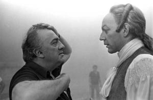 Fellini e Sutherland sul set di Casanova